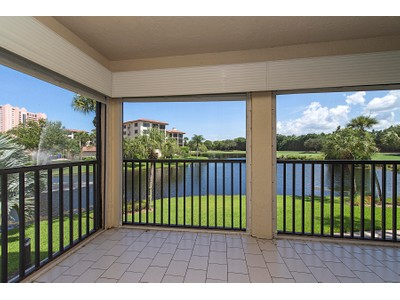 Condominio for sales at PELICAN BAY - CHATEAUMERE 6020  Pelican Bay Blvd 102 Naples, Florida 34108 Estados Unidos