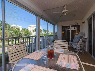 Condo / Townhome / Villa for rentals at 1200 Gulf Shore Blvd N 102  Naples, Florida 34102 United States