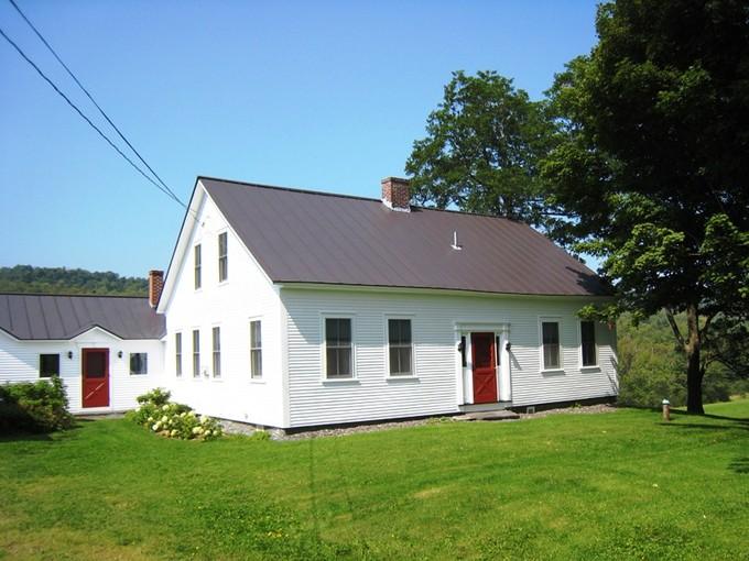 Maison unifamiliale for sales at Former Farmstead 5115 Rt. 12 Barnard, Vermont 05031 États-Unis