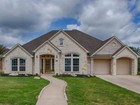 Villa for sales at Gorgeous One-Story Home in Limestone Ranch 27615 Autumn Terr Boerne, Texas 78006 Stati Uniti