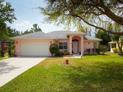 Maison unifamiliale for sales at NAPLES - WOODSTONE 6176  Woodstone Dr Naples, Florida 34112 États-Unis