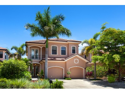 Maison unifamiliale for sales at WEST OF TRAIL 3811  Camino Real Sarasota, Florida 34239 États-Unis