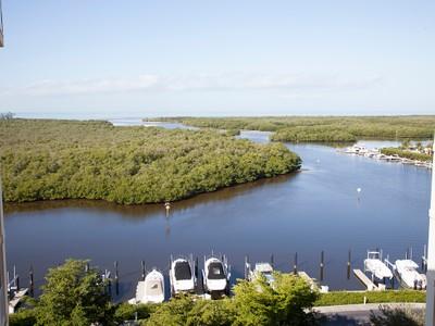 Condo / Townhome / Villa for sales at 13105 Vanderbilt Dr 706  Naples, Florida 34110 United States