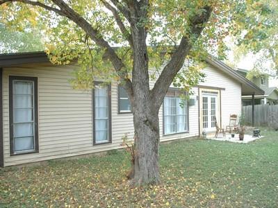 Частный односемейный дом for sales at Charming Home with Great Location 5618 Crater Lake Dr  San Antonio, Техас 78252 Соединенные Штаты