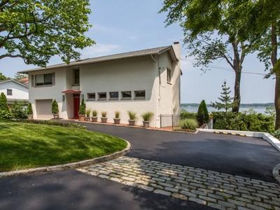 Casa para uma família for sales at Contemporary  Oyster Bay, Nova York 11771 Estados Unidos