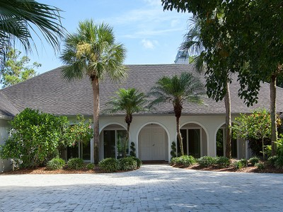 Single Family Home for sales at NAPLES BATH AND TENNIS 1031  Oriole Cir 62  Naples, Florida 34105 United States