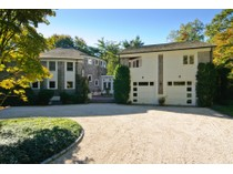 独户住宅 for sales at Colonial    Lattingtown, 纽约州 11560 美国