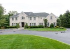 Einfamilienhaus for  sales at Colonial 33 Saddle Ln   Old Brookville, New York 11545 Vereinigte Staaten