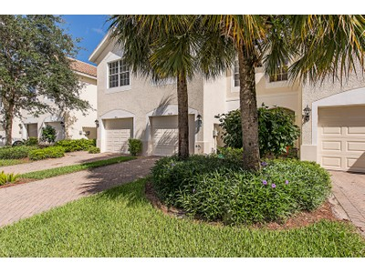 Nhà phố for sales at STRATFORD PLACE 913  Hampton Cir  Naples, Florida 34105 Hoa Kỳ