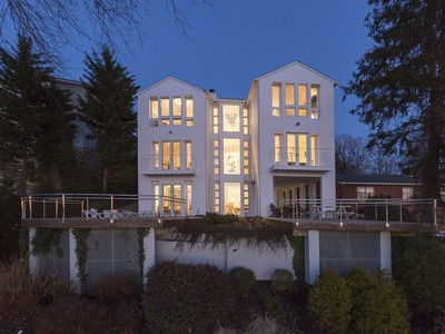 단독 가정 주택 for sales at Pendennis Mount 1902 Carrollton Rd Annapolis, 메릴랜드 21409 미국