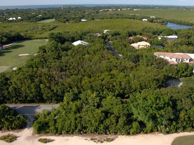 Terrain for sales at Ocean Reef - Vacant Golf Course Lot 2 Harbor Island Drive  Ocean Reef Community, Key Largo, Florida 33037 États-Unis