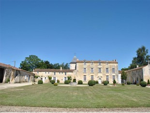 Other Residential for sales at CASTLE  Other Poitou-Charentes, Poitou-Charentes 17810 France