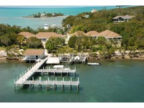 Maison unifamiliale for sales at Sound Harbour House  Green Turtle Cay, Abaco 0 Bahamas
