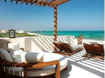 共管物業 for sales at ROSEWOOD TRI-LEVEL OCEAN VIEW VILLA ROSEWOOD TRI-LEVEL OCEAN VIEW VILLA Carretera Federal Cancún - Playa del Carmen, Km 298, zona costera. Playa Del Carmen, Quintana Roo 77712 墨西哥
