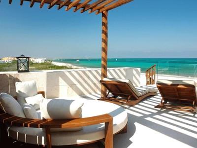 Nhà chung cư for sales at ROSEWOOD TRI-LEVEL OCEAN VIEW VILLA ROSEWOOD TRI-LEVEL OCEAN VIEW VILLA Carretera Federal Cancún - Playa del Carmen, Km 298, zona costera. Playa Del Carmen, Quintana Roo 77712 Mexico