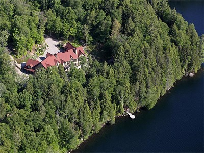 Nhà ở một gia đình for sales at Village Mont-Tremblant  Mont-Tremblant, Quebec J8E 1B1 Canada