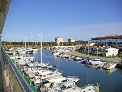 Apartamento for sales at Bright apartment in the prestigious Club Náutico o  Platja D Aro, Costa Brava 17250 Espanha