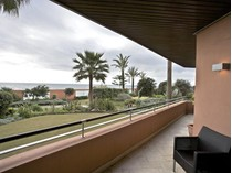 Apartamento for sales at Frontline Beach, next to Puerto Banus  Marbella, Costa Del Sol 29600 Espanha