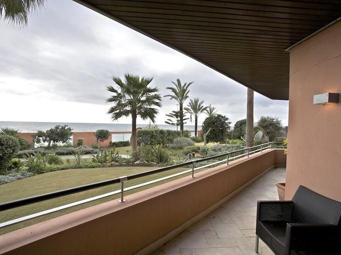 公寓 for sales at Frontline Beach, next to Puerto Banus  Marbella, Costa Del Sol 29600 西班牙