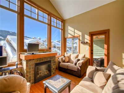 Condomínio for sales at 2 Bedroom Upper Level Corner Unit 76-5015 Valley Drive  Sun Peaks, Columbia Britanica V0E 5N0 Canadá