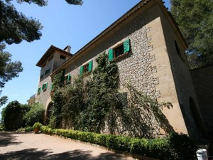 Additional photo for property listing at Manor House For  With Views Of The Bay of Palma  Palma, Mallorca 07011 Spain