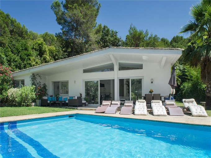 Single Family Home for sales at Private Estate - Beautiful Contemporary villa    Mougins, Provence-Alpes-Cote D'Azur 06250 France