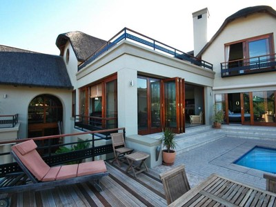 Maison unifamiliale for sales at Spectacular Thatch home in a secure environment  Somerset West, Cap-Occidental 7130 Afrique Du Sud
