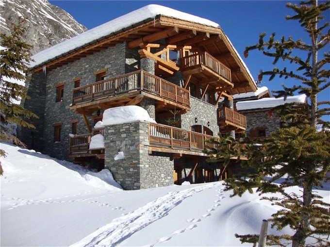 Vivienda multifamiliar for sales at Luxury sun-faced chalet  Aix, Ródano-Alpes 73150 Francia