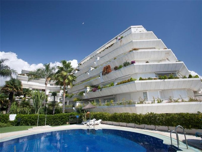 Apartment for sales at Living in front line  beach in Marbella  Marbella, Costa Del Sol 29600 Spain