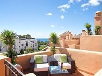 Căn hộ for sales at Duplex penthouse on the Promenade of San Pedro    Marbella, Costa Del Sol 29679 Tây Ban Nha