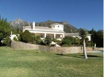 Maison unifamiliale for sales at Stunning villa with breathtaking views to the Sea  Marbella, Costa Del Sol 29600 Espagne