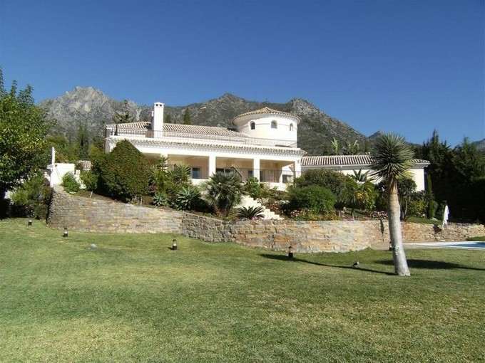 Einfamilienhaus for sales at Stunning villa with breathtaking views to the Sea  Marbella, Costa Del Sol 29600 Spanien