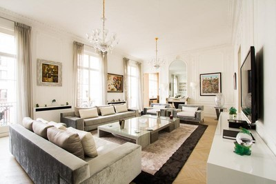 Appartement for sales at Luxurious apartment - Triangle d'Or  Paris, Paris 75008 France