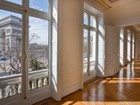 Apartamento for  sales at Paris 8 - Arc de Triomphe  Paris, Paris 75008 França