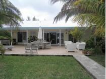 Vivienda unifamiliar for sales at Yellow Fin House  Treasure Cay, Abaco 00000 Bahamas