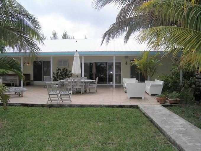 Casa para uma família for sales at Yellow Fin House  Treasure Cay, Abaco 00000 Bahamas
