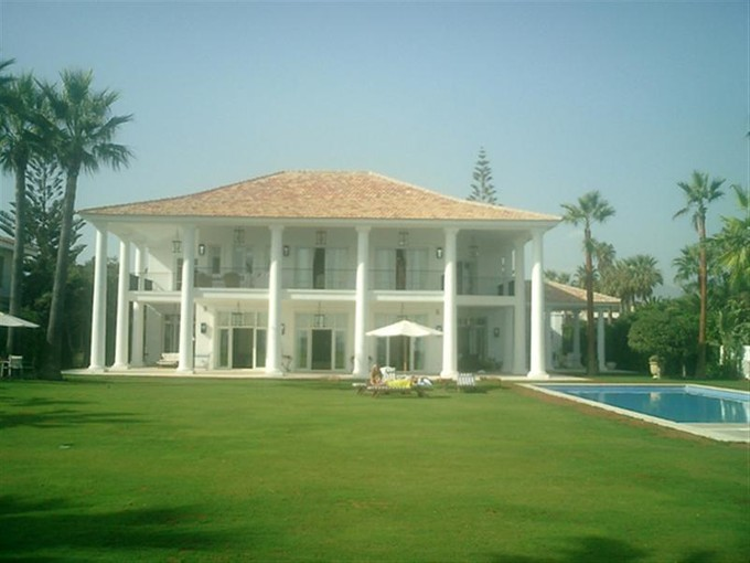 Single Family Home for sales at Elegant modern/colonial style villa located in a F  Marbella, Costa Del Sol 29600 Spain