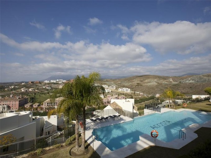 Apartment for sales at Lovely apartment in golf area  Benahavis, Costa Del Sol 29679 Spain