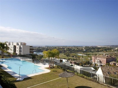 Appartement for sales at Wonderful apartment close to the golfcourse  Benahavis, Costa Del Sol 29679 Espagne