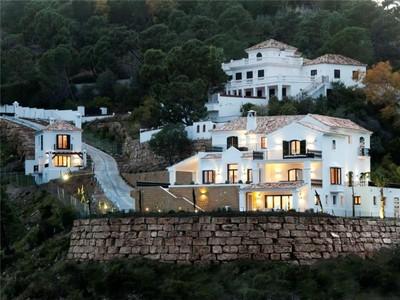 Nhà ở một gia đình for sales at Mountain villa with spectacular sea views   Benahavis, Costa Del Sol 29679 Tây Ban Nha