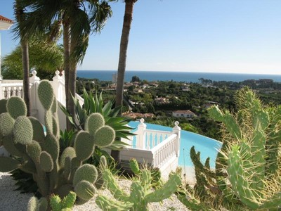 Частный односемейный дом for sales at Lovely Villa located in the hills New Golden Mile  Estepona, Costa Del Sol 29680 Испания