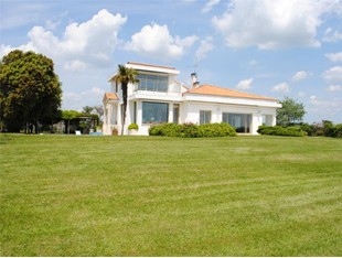 Other Residential for sales at maison contemporaine  Other Poitou-Charentes, Poitou-Charentes 17440 France