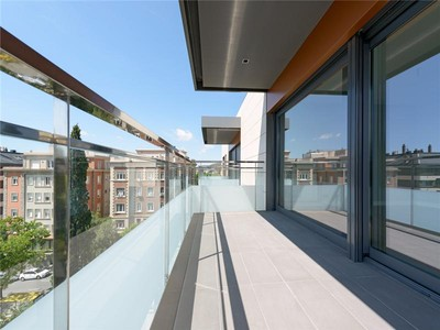 Appartement for sales at Beautiful new construction in uptown Barcelona  Barcelona City, Barcelona 08022 Espagne