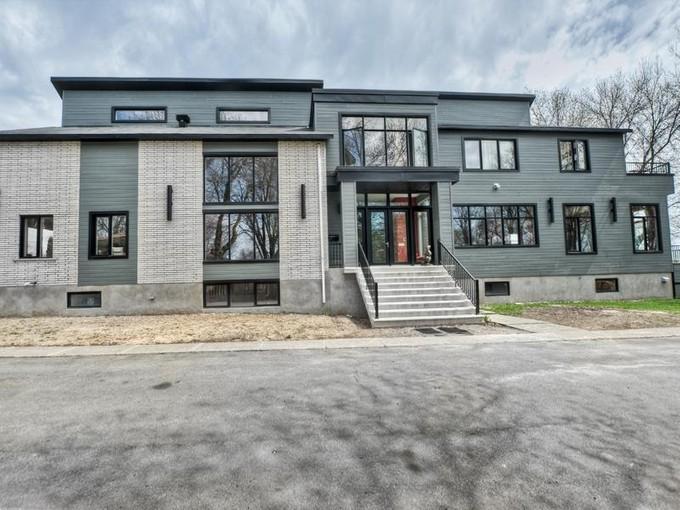Maison unifamiliale for sales at Duvernay  Laval, Québec H7A 1S6 Canada
