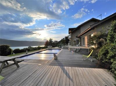 Maison unifamiliale for sales at Villa avec vue sur le lac  Veyrier, Rhone-Alpes 74290 France