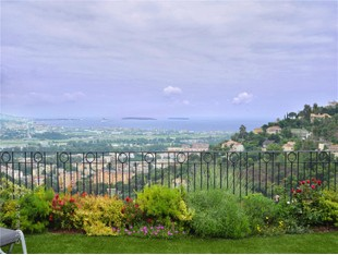 Apartment for sales at Penthouse for sale, in private domain  Mandelieu, Provence-Alpes-Cote D'Azur 06210 France
