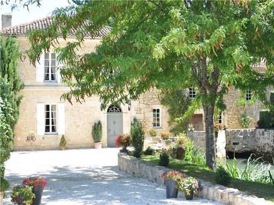 獨棟家庭住宅 for sales at 15 mn from St Emilion - 4ha estate   Other Aquitaine, 阿基坦 33420 法國