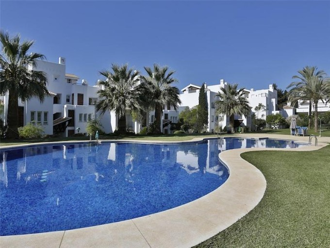 アパート for sales at Beachside apartment Marbella East  Marbella, Costa Del Sol 29600 スペイン