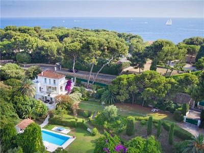 その他の住居 for sales at Beautiful villa sea views  Cap D'Antibes, プロバンス=アルプ=コート・ダジュール 06160 フランス