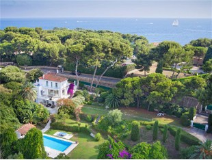 Otros residenciales for sales at Beautiful villa sea views  Cap D'Antibes, Provincia - Alpes - Costa Azul 06160 Francia